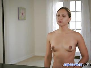 Smalltits Les Squirting During Queening