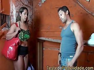 Pagando Pedagio Com Sexo Pro Dono Do Morro
