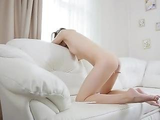 18 Year Old Fingers Herself For First Time