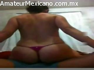 Tremendo Culo Mexicano Sentandose