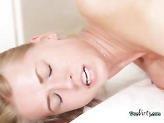 Young Hoe Gets Nailed And Jizzed On By Her Physician