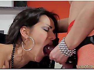 Strapon Oral Domination