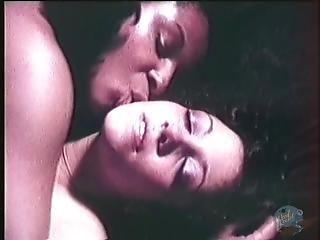 Sexy Lesbians Lick & Fuck Twats