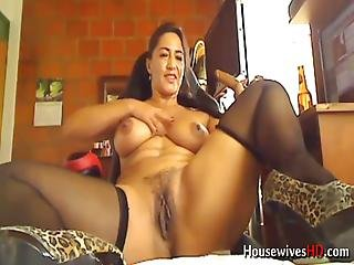 Colombian Mommy With Bombastic Big Ass And Juicy Boobs