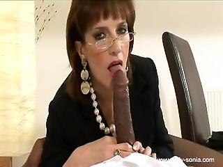 blowjob, sædshot, briller, handjob, interracial, matur, oral, strømper