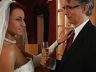 Menyasszony, Vöröshajú, Kurva, Fiatal