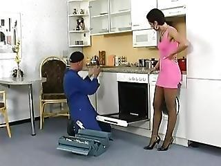 Silke Maiden Fickt Mit Einem Handwerker