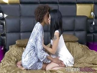 Luna Corazon And Rina Ellis Have Interracial Lesbian Sex