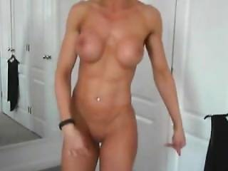 Hottest Hardbody In Hd Webcam On Camsyz Dot Com