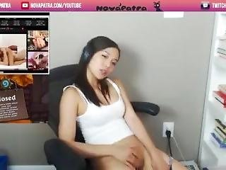 Girls spreading pussy public