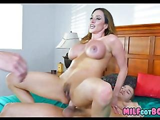 Hot Mom Gets Double Penetration