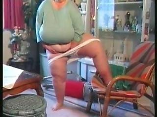 Sbbw Mature Do Housework