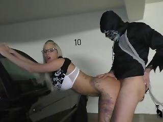Free amateur pics sex in garage
