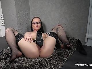 Wendymoonx - Glassed Pornstar Wendy Moon Masturbate For Real Orgasm