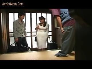Japanese Mom 3