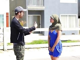 Prankinvasion - Kissing Muslim Women