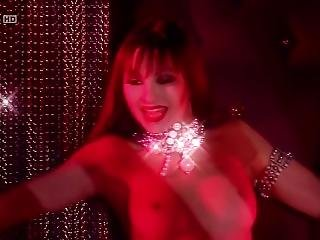 Crazy Horse Paris - But Im A Good Girl (fasty Wizz)