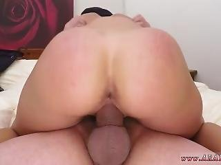 Melissa Toilet Blowjob Teen Loves And Was Fucked During The