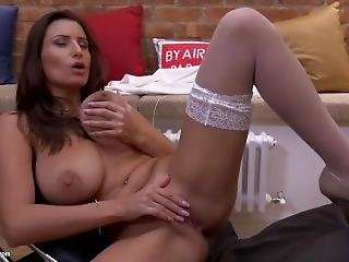 I Would Pump Jane A Record-breaking Creampie As Deep As It Can Go......
