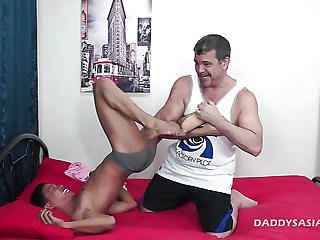 Daddy Barebacks Asian Boy Alex