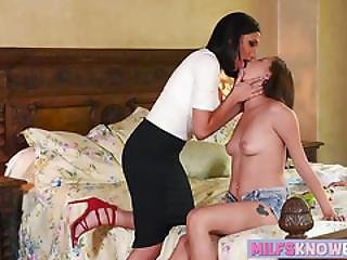 Big Tits Brunette Milf Does Pussy Punishment On Horny Teen