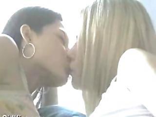 babe, blond, brunette, fondling, interracial, kysser, latina, lesbisk, pornostjerne, softcore