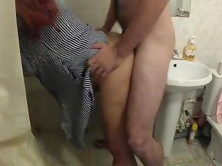 Mom Made Stepson In The Bathroom. Real Sex And Blowjob