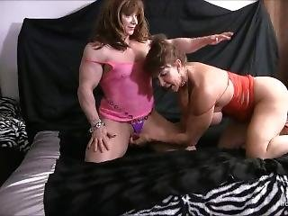 Bikini Female Bodybuilder Huge Clit Play