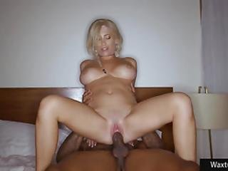 sort, blond, blowjob, cowgirl, doggystyle, facial, hæle, interracial, lingeri