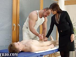 Bisex Slut Gets Eaten Out