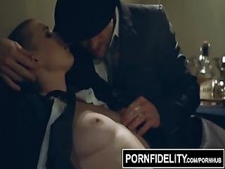 Pornfidelity   Business Woman Riley Nixon Takes Charge
