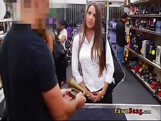 Lady Brought Stolen Property To Pawnshop And Gave A Confession 0001