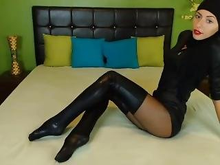 Cute Sexy Teen Teasing In Free Chat: 531r4 Muslim Black Dress Nylons &heels