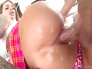 anal, blowjob, numse, sædshot, doggystyle, fake bryster, missonær, ridning, tattovering