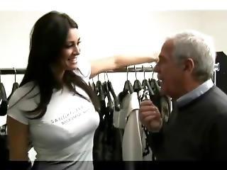 Manuela Arcuri - Backstage Ferrone Ss2010