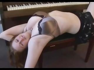 gyönyörû, maszturbáció, zongora, szóló