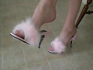 Shes Dangling Pink Marabou Slippers?p=8&ref=index