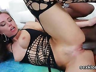 Pornstar Honey Gets Her Butt Hole Plowed With Thick Dick