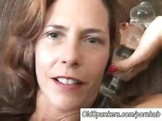 Sherry Wynne Cums With Glass Dildo