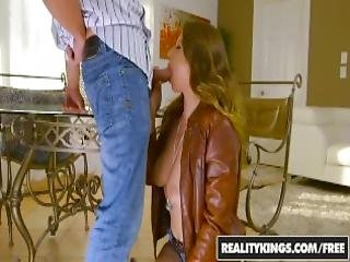 Realitykings Sexy Hitchhicker Ivy Rose Flashes Her Tits And Gets A Ride