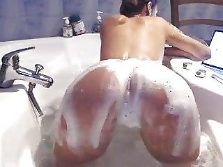 Camgirl From Freecamgirl Eu Naked And Teasing
