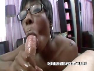 Black Hottie Taylor Starr Sucks Cock And Gets A Facial