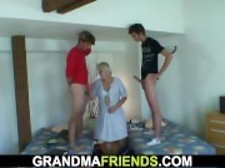 Mummo, Vanha, Pillu, Todellisuus, Kolmen Kimppa, Nuori