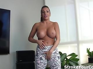 Richelle Ryan S Big Tits