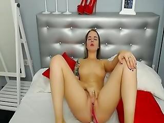 Hot Pussy Cutie Readhead Screaming 01