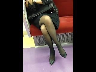 Japanese Woman In Black Pantyhose And Heels - Leg Crossing!
