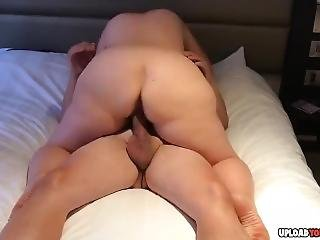 Sexy Chick Rides A Throbbing Veiny Dick