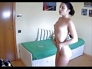 Wow Hot Girl Dances Naked In Hidden Cam Hot