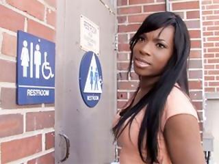 Ebony rovnátka porno