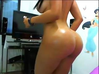 Huge Ass On Cam - More At Porntubler.com